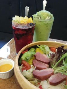 "Taiwanese loves to keep fit so salad is in fashion.  Photo in "" Light cafe "", in Shida Night Market, a good place to eat!"