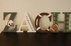 Sport Nursery deco - name Avlo Nowotny Nowotny this would be perfect for Zachees room Football Nursery, Football Bedroom, Nursery Room, Kids Bedroom, Nursery Decor, Child's Room, Room Decor, Baby Boy Rooms, Baby Boy Nurseries