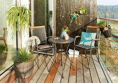 Ga voor deze sfeervolle combinatie van staal en hardhout. Bekijk alle tuinmeubelen van de LARVIK serie | JYSK