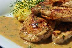 Na přípravu budete potřebovat:    2 kuřecí prsa   koření adžika ( obsahuje také kopr)  sůl  olej   Na omáčku:  1PL medu  2PL dijonské h...