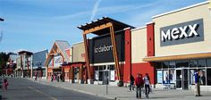 Outlet Queensborough Landing Shopping Center, Landing, Centre, Broadway Shows, Street View, Canada