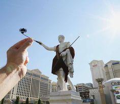L'anglais Rich McCor, aka Paperboyo, continue de détourner les monuments célèbres avec de simples morceaux de papier. Après ses précédentes créations r