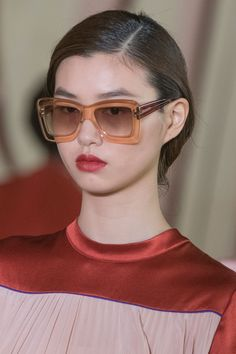 40b99d3aa4c The Best Eyewear of Spring 2017 Fashion Shows – The Impression New Glasses