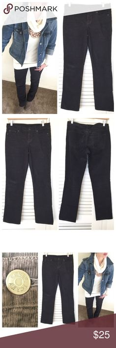 """J. Crew  City Fit Skinny Corduroys J. Crew Vintage Matchstick skinny leg corduroy. Off Black in color. Slight stretch to pants. 💯 cotton. Size 27s. Measurements are; waist laying flat is 16"""", inseam is 30"""" and Front rise is 8"""". No rips, no stains, no odors. All my items are from a smoke free environment. J. Crew Pants Skinny"""