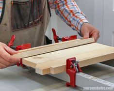 This DIY farmhouse bench is so easy to make! #sawsonskates