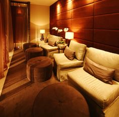 A warm, spa feel for adult waiting area Waiting Room Design, Waiting Area, Waiting Rooms, Massage Room, Spa Massage, Foot Massage, Spas, Spa Interior, Interior Design