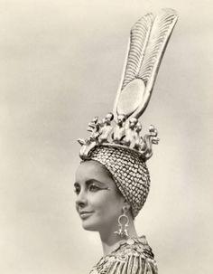 Elizabeth Taylor in 'Cleopatra', 1963.