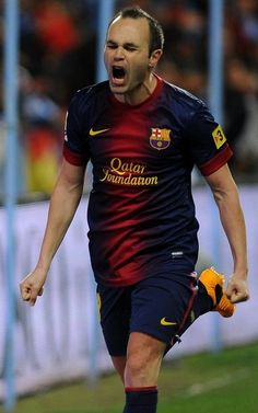 Andres Iniesta celebrates a GOAL! Football Icon, Best Football Players, World Football, Soccer World, Football Kits, World Of Sports, Fc Barcelona, Barcelona Sports, Barcelona Players