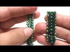 Herringbone Easy Bracelet ~ Seed Bead Tutorials by catalina Diy Jewelry, Beaded Jewelry, Jewelry Design, Jewelry Making, Beaded Necklace, Healing Bracelets, Seed Bead Bracelets, Seed Beads, Beaded Bracelets Tutorial