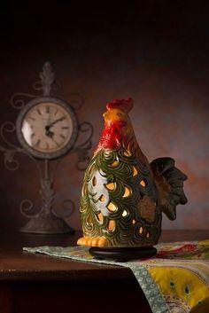 Everyone needs a rooster for the kitchen. Add some Pink Zebra soft soy sprinkles. #simmeringlights #roosters #homedecor #lovensprinkles www.lovensprinkles.com