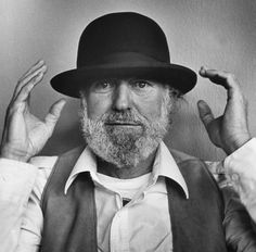 Lawrence Ferlinghetti with derby.  (Photo by Chris Felver)