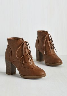 Mashup to the Minute Bootie in Taupe. Who knew that mixing past and present elements could produce such a spectacular brown shoe? Brown Brogues, Brown Ankle Boots, Thigh High Boots, Ankle Booties, Bootie Boots, Shoe Boots, Brown Shoe, Leather Booties, Cute Shoes