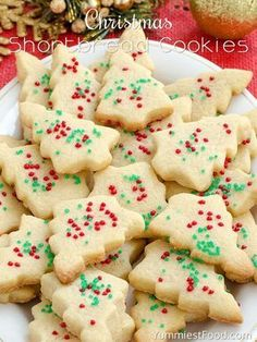 Christmas Shortbread Cookies - adorable, delicious, tasty and with only three ingredients! You need to add this lovely Christmas Shortbread Cookies to your Christmas! Best Christmas Cookies, Holiday Cookies, Christmas Christmas, Christmas Shortbread Cookies, Christmas Snacks, Christmas Cupcakes, Gingerbread Cookies, Christmas Biscuits, Yummy Recipes