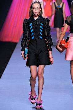 Viktor & Rolf | Spring 2012 Ready-to-Wear Collection | Style.com