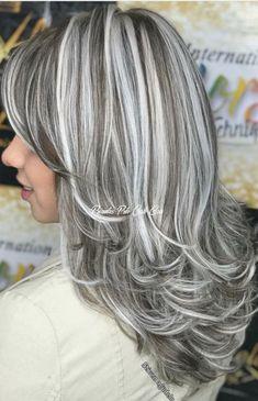 Long Gray Hair, Silver Grey Hair, White Hair, Gray Hair Highlights, Long Bob Hairstyles, Layered Hair, Hair Looks, Dyed Hair, Curly Hair Styles