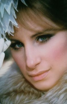 Barbra Streisand, beautiful color photo of her, great talented actress,