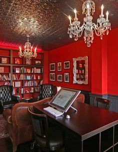 Expressive home office design with red walls and two crystal chandeliers Interior Rugs, Office Interior Design, Office Interiors, Home Office Furniture, Home Office Decor, Office Ideas, Office Decorations, Modern Furniture, Fireplace Bookshelves