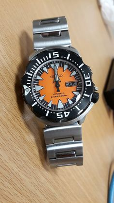 Rocket hands shot - Seiko Monster Orange/Black - SRP315J2