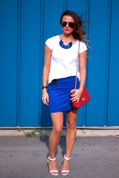 Top: H (similar here) / Skirt: F21 (similar style here) / Shoes: Windsor / Sunnies: Target
