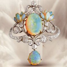Art Nouveau opal and diamond pendant / brooch; Opal, diamond, gold and platinum floral brooch. Gems Jewelry, Sea Glass Jewelry, Bling Jewelry, Jewelry Art, Antique Jewelry, Jewelery, Vintage Jewelry, Jewelry Accessories, Jewelry Design
