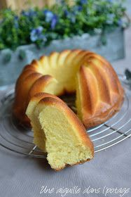 une aiguille dans l' potage: Gâteau au fromage blanc et fleur d'oranger a needle in the soup: Cake with fromage blanc and orange blossom Summer Dessert Recipes, Breakfast Recipes, Sweet Recipes, Cake Recipes, Savoury Cake, Clean Eating Snacks, Brunch, Good Food, Food And Drink
