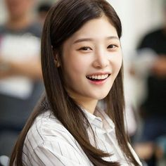 """좋아요 851개, 댓글 4개 - Instagram의 CHAEYEON 정채연(@diachaeyeon)님: """"Always smile"""""""