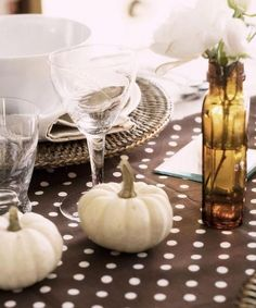 Gorgeous Neutral Fall Table Setting!