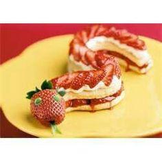 Snake strawberry short cakes
