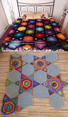 Inspiration :: Stars & Flowers, designed by The Gingerbread Lady.  * Pattern not free.  Bottom pic from Ravelry Project Gallery.  Looks like the idea would be fun to play with.  #crochet #afghan #blanket #throw