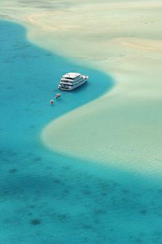 Cruising in the yacht. #Hawaii #Beach_Resort ~ http://VIPsAccess.com/luxury-hotels-hawaii.html