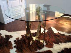 Современный стол в золоте Made in Ukraine. Круглый обеденный стол в современном стиле.  Стильный стол, украинского дизайна в современном стиле.