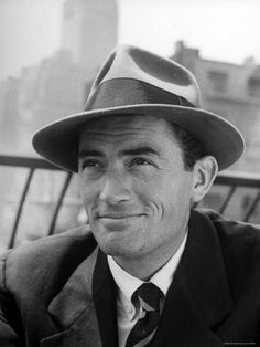 treasuresofthepast:  Why don't guys wear these hats anymore? I have an obsession with them I just want them back into fashion why why why!? I want to go back to the 30's…:'( btw Gregory Peck