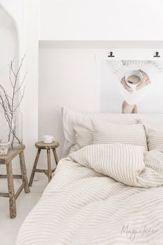 Natural Striped linen duvet cover with vertical stripes. Linen duvet in beige and white stripes.