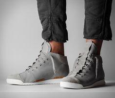 Fabricante de artigos de couroHard Graftestá crescendo no mercado de calçados, com a introdução destes novos tênis de edição limitada.Apenas 100 pares, exclusivamente limitados e bem trabalhados oS1 Mid-topt