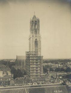 Dom tower around 23 juli 1926 Erfgoed gemeente Utrecht | part of the exhibition The proud of Utrecht. The Dom Tower | Centraal Museum Utrecht