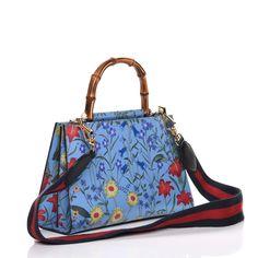 Fall Handbags, Best Handbags, Black Handbags, Purses And Handbags, Leather Crossbody Bag, Leather Purses, Leather Handbags, Spring Purses, Popular Handbags