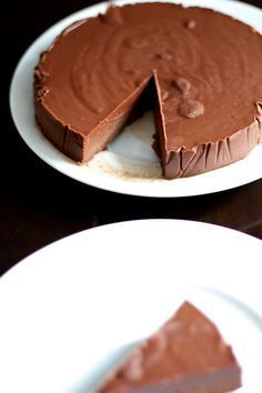 The chocolate fondant without cooking - Dessert Raw Food Recipes, Sweet Recipes, Cake Recipes, Dessert Recipes, Cooking Recipes, Chocolate Fondant, Chocolate Desserts, Cooking Chocolate, Chocolate Chocolate