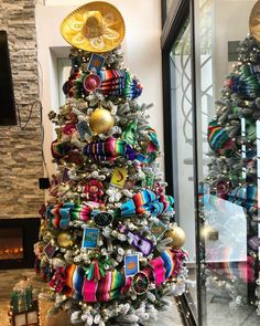 Mexican Christmas Decorations, Christmas Tree Themes, Holiday Themes, Xmas Tree, Christmas Tree Decorations, Christmas Holidays, Christmas Ideas, Office Christmas, Christmas Stuff