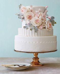 Make sure your wedding cake is as beautiful as it is delicious. Find out the latest in wedding cake designs from The Knot: wedding cakes designs 7 Pretty Cakes We Can't Stop Looking At Bolo Floral, Floral Cake, Gorgeous Cakes, Pretty Cakes, Wedding Cake Designs, Wedding Cake Toppers, Fondant Wedding Cakes, Wedding Cupcakes, Bolo Cake