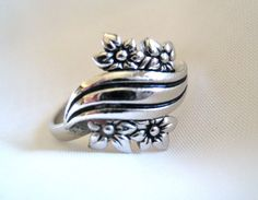 Vintage Signed Sarah Coventry Ring Flower by RepurposedTreasure, $14.00    ....SOLD