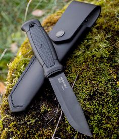 Morakniv Garberg Black Carbon!! I need this!!!! #Morakniv #Garberg #GarbergBlackCarbon #Mora #GarbergBlack