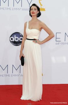 Mad Men's Jessica Pare arrives at the 64th Primetime Emmy Awards at the Nokia Theatre