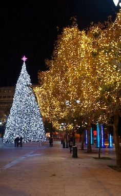 Christmas Lights in Athens, Greece (by patrick.dh on Flickr)
