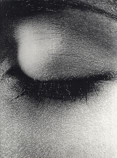 I don't like truth, ...EASTERN design office - madivinecomedie: Daido Moriyama life