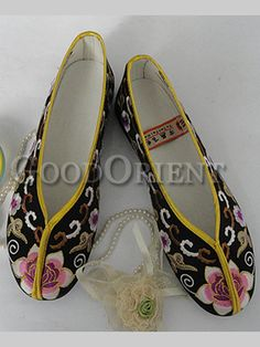 Embroidery floral shoes--Black 9fcbf4cd800f