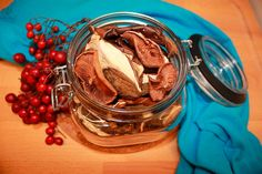 Как сушить грибы правильно? Как сохранить необычный вкус и аромат грибов Icing, Ice Cream, Desserts, Thanksgiving Holiday, Natural Materials, Autumn Decorations, Round Round, Simple, No Churn Ice Cream
