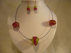 https://flic.kr/p/bCMdHn | 97 Collier frippe 3 perles vert et rouge et BO