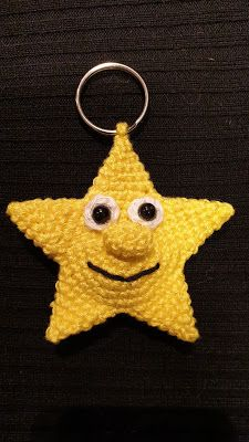 Meine kreative Welt: Amigurumi Stern für Einkaufschip (Schlüsselanhänge... 2 Baby, 5 April, Crochet Earrings, Christmas Ornaments, Holiday Decor, Amigurumi, Xmas Cards, Shopping, Stars