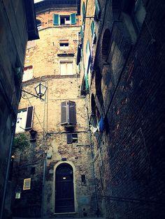 Siena, Italy #italian #window #house #door #italy #siena