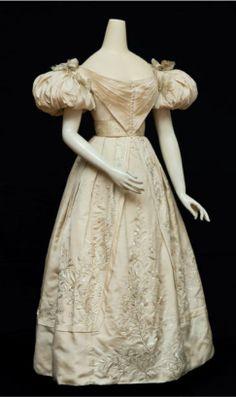 EMBROIDERED SILK EVENING DRESS English, ca. 1829-31
